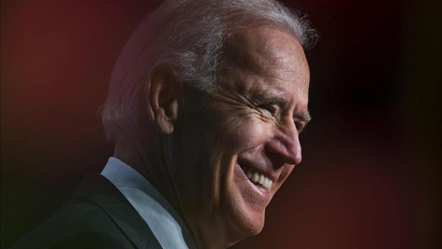 El vicepresidente de EE.UU., Joe Biden, juró su cargo para el segundo mandato