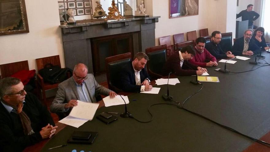 Este lunes los integrantes de la coalición Compromiso Europa firmaron la adhesión
