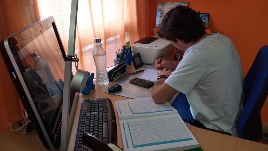 """Los alumnos empiezan a matriculase para """"la EBAU del coronavirus"""""""