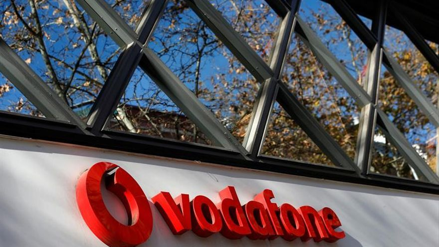 Vodafone y sindicatos inician mañana la negociación del ERE para 1.200 empleados