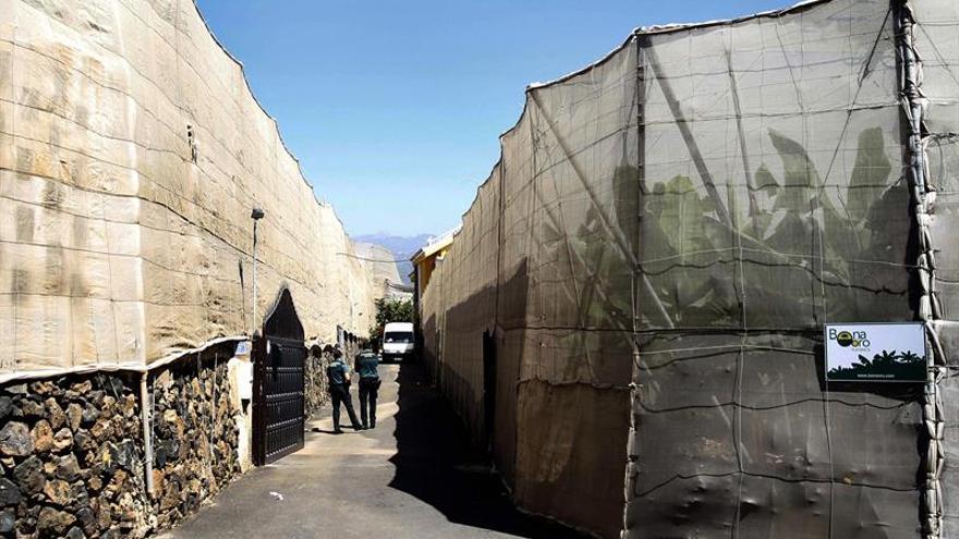 La Guardia Civil investiga la muerte violenta de un matromonio y el padre de la mujer en Guaza, municipio de Arona en el sur de Tenerife.