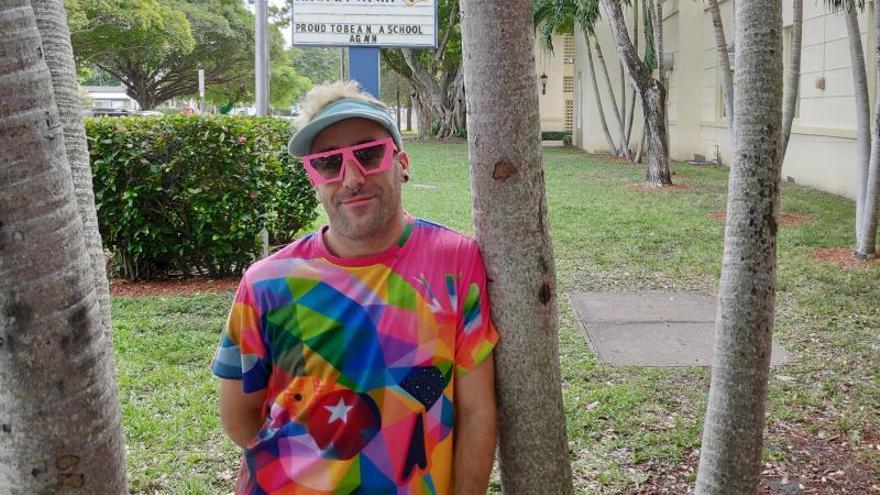 """Los pecadores de Miami encuentran su """"jardín de las delicias"""" con Okuda"""