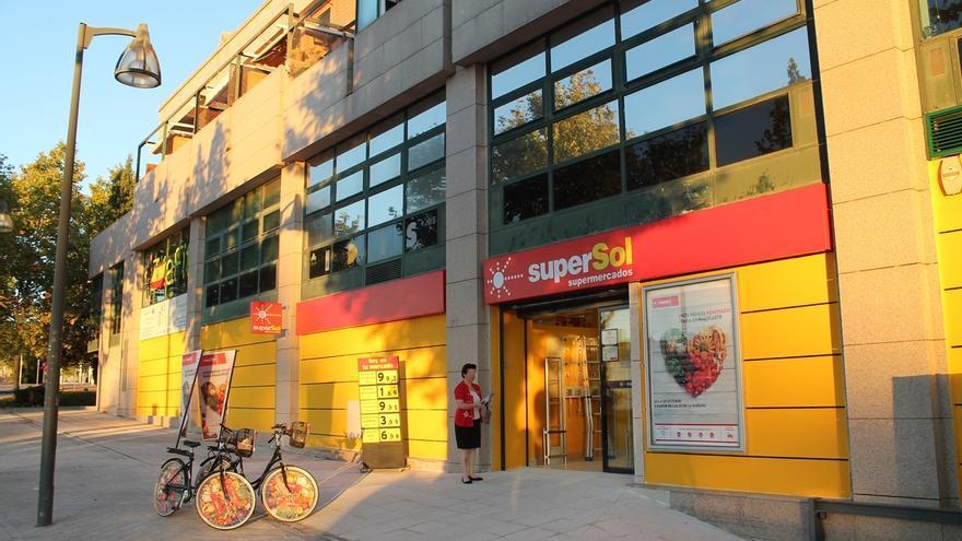 Supersol logra un acuerdo con los sindicatos para el ERE que afectará a 294 empleos y el cierre de 18 tiendas