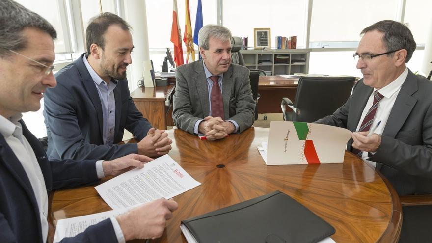 Torrelavega pide al Gobierno aumentar hasta 600.000 euros la dotación para el servicio de Bomberos