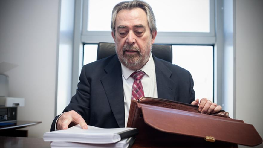 Juan Alberto Belloch en su despacho.