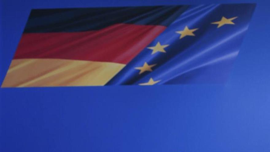 """Merkel, dispuesta a """"ayudar en todo lo posible"""" a Grecia con los refugiados"""