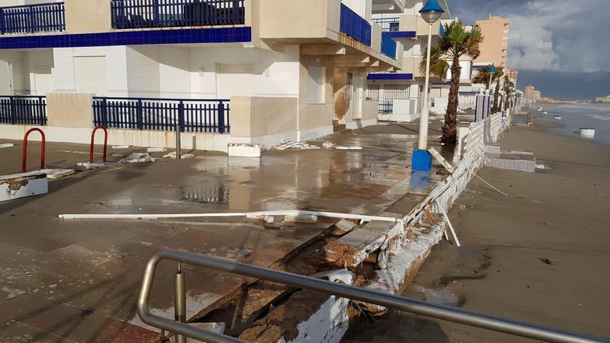 Destrozos tras el temporal 'Gloria' en el litoral murciano