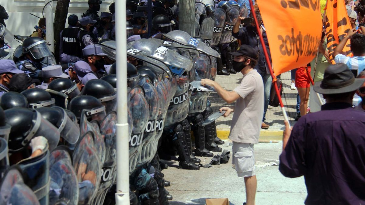 La Policía de Formosa reprimió una protesta contra nuevas restricciones