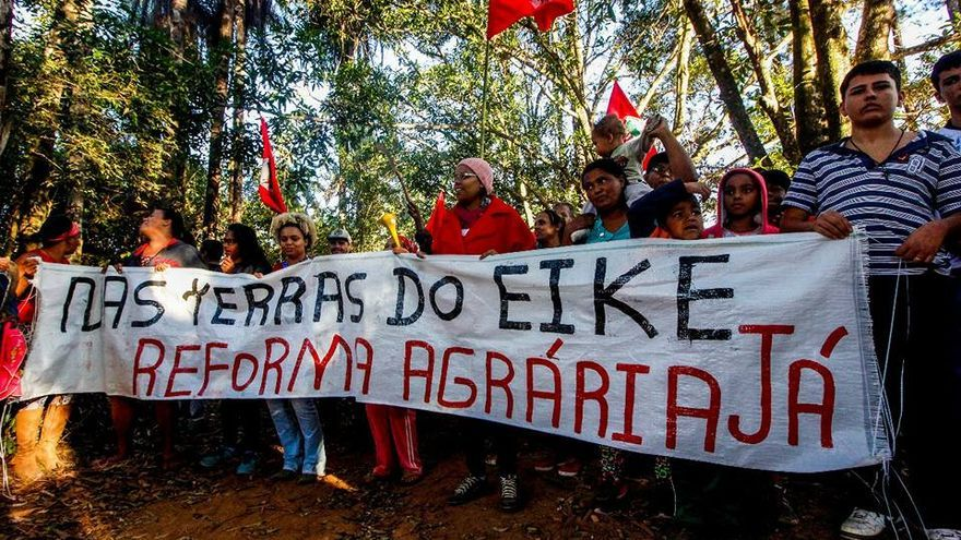 Campesinos ocupan una de las tierras del empresario Eike Batista, que posee unas 10.000 hectáreas de tierra agrícola en la región metropolitana de Belo Horizonte