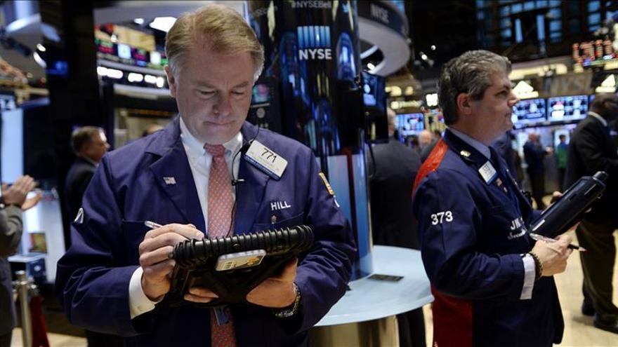Wall Street cambia de rumbo y el Dow Jones sube un 0,45 por ciento