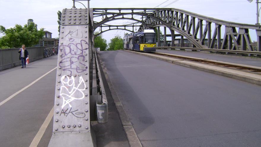 Puente de Bornholmer, primer punto donde se abrió el Muro de Berlín. El paso estaba a la izquierda.