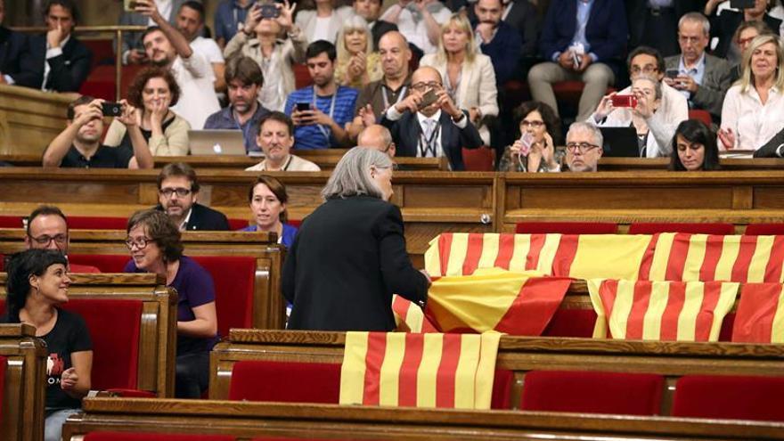 """Àngels Martínez (Podem) considera a Puigdemont """"presidente de la República"""""""