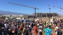 Movilización ciudadana reclamando la anulación del proyecto de construcción de un hotel en la playa de La Tejita