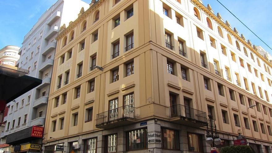 El precio medio del metro cuadrado de vivienda de segunda mano supera en 11.000 euros el de la obra nueva en Cantabria