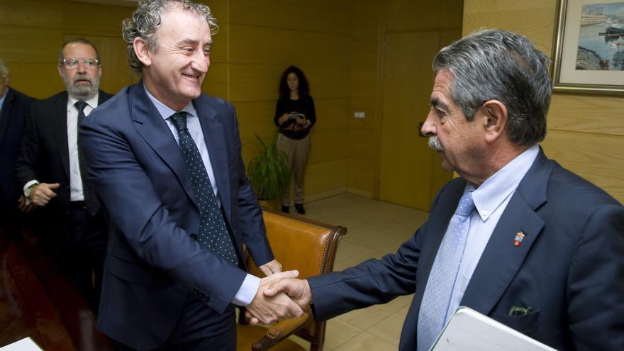 Miguel Ángel Revilla y Tomás Cobo han mantenido un encuentro. | Nacho Romero