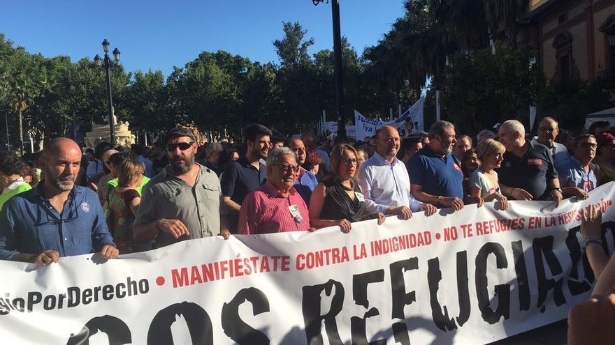 Miles de personas se manifiestan en toda Andalucía a favor de los derechos de las personas refugiadas