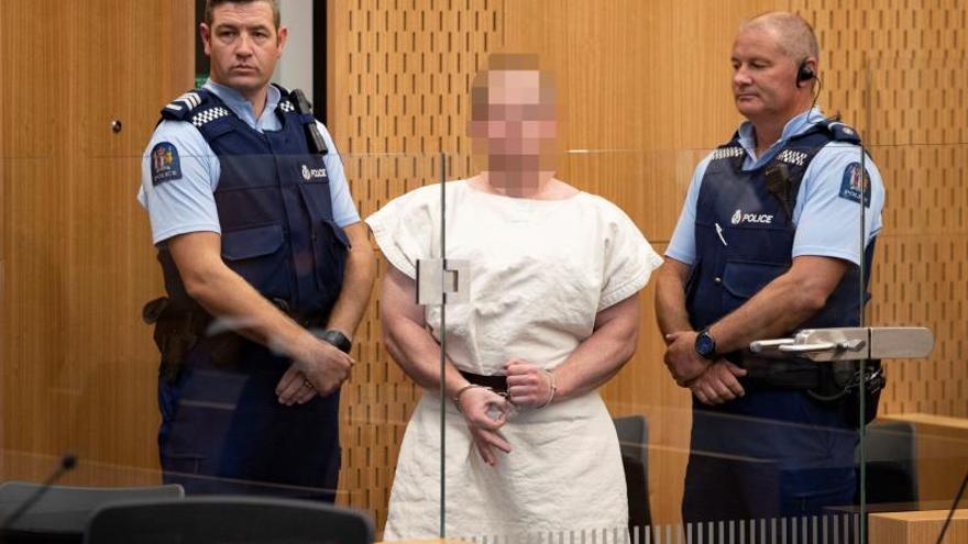 Brendon Tarrant, el autor de la masacre en Nueva Zelanda, realizó el gesto de OK durante su comparecencia ante el juez