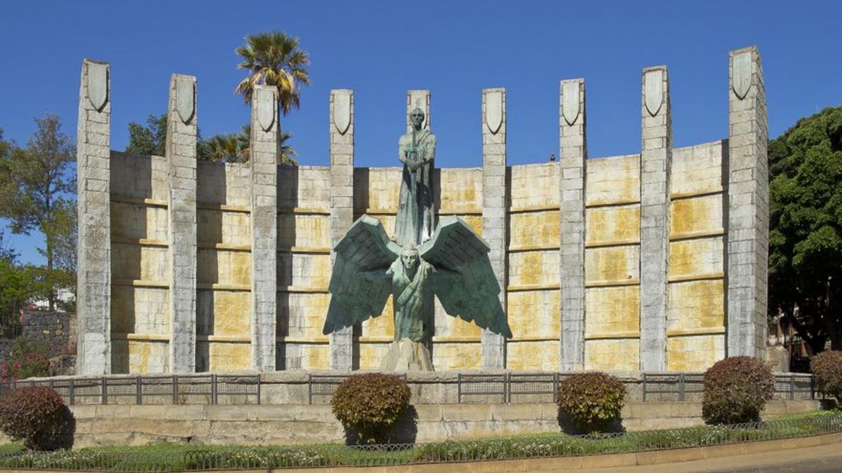 Monumento dedicado a Francisco Franco en Santa Cruz de Tenerife.