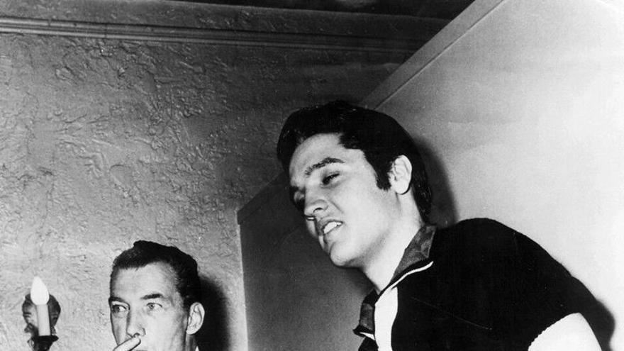 Elvis y Ed Sullivan en 1956