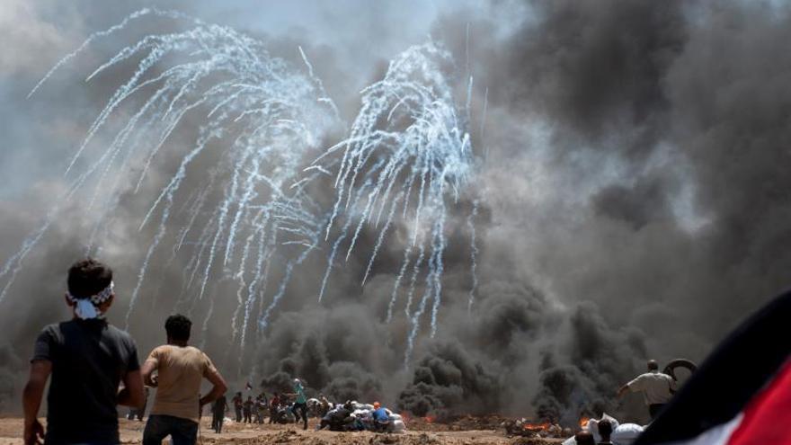 Muere una bebé en Gaza por inhalación de gases durante las protestas de ayer