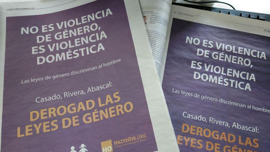 El anuncio antifeminista de HazteOir en las páginas de El Mundo y ABC.