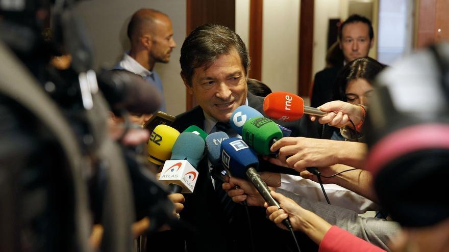 El Comité Federal busca una gestora presidida por Javier Fernández que integre a los dos sectores