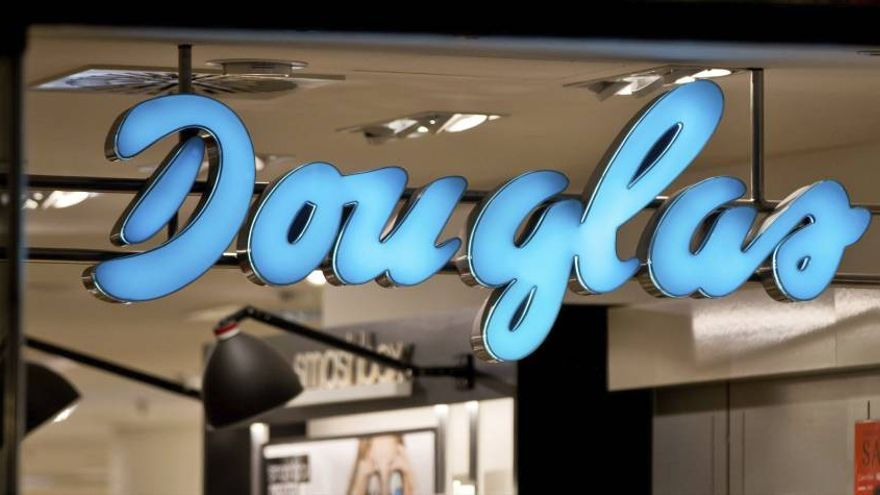 Perfumerías Douglas.