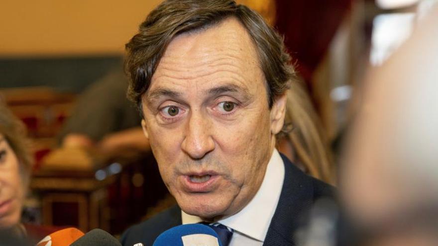 El senador del PP, Rafael Hernando durante la jornada de puertas abiertas del Senado celebrado este miércoles en Madrid.