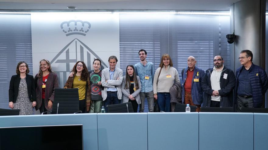 Presentación de la querella en el Ayuntamiento de Barcelona