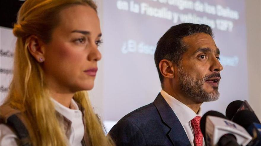 """La defensa de Leopoldo López denuncia """"graves vicios"""" en el juicio contra el opositor"""