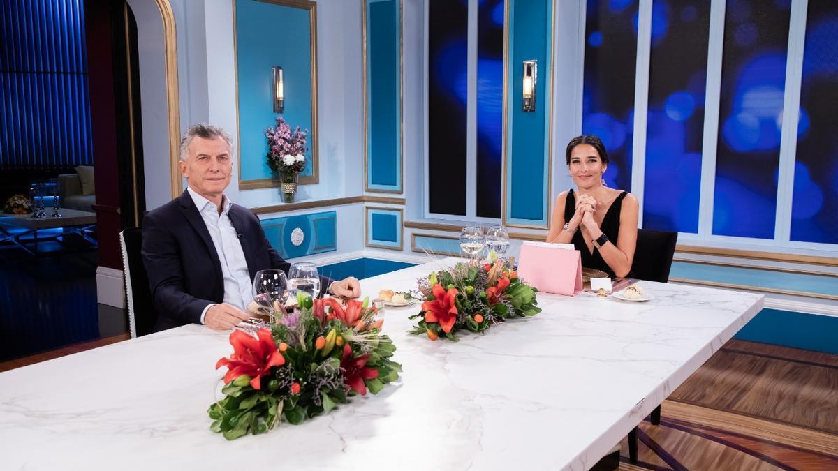 El expresidente Mauricio Macri con la presentadora Juana Viale