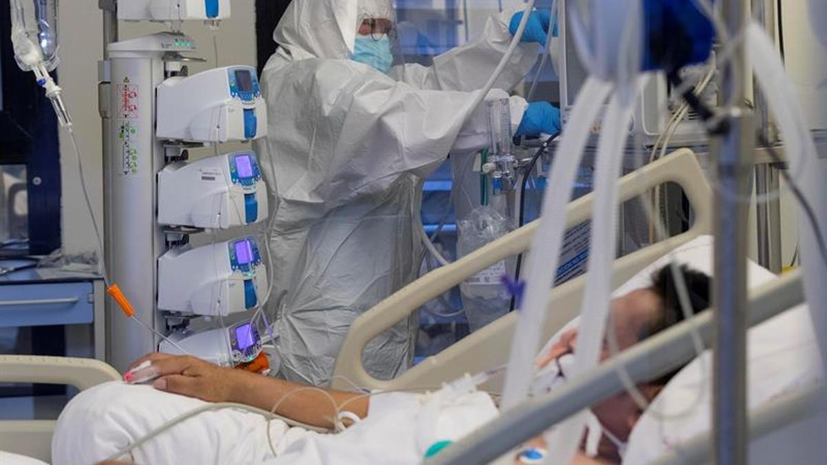 Hospitalizados por coronavirus pueden tener problemas mentales en el ingreso
