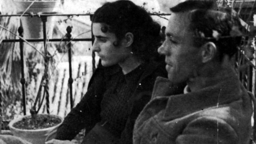 Josefina Manresa y Miguel Hernández en torno a 1937