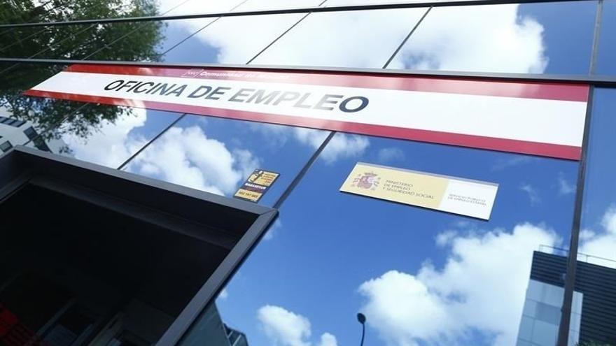 Canarias, a una distancia de más de cuatro puntos del índice de paro español