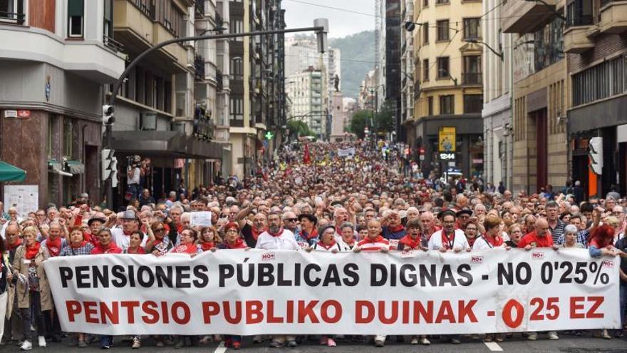 """Pensionistas vizcaínos alcanzan 100 concentraciones entre gritos de """"unidad"""""""