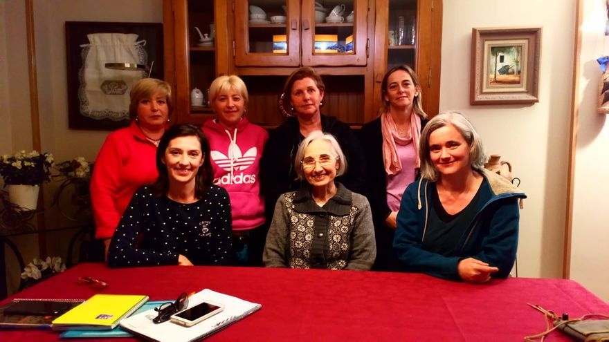 Las siete mujeres que forman la candidatura de Mujeres Por el Municipio de Angüés