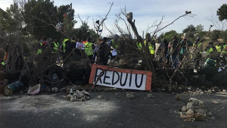 """Los CDR llaman a sumarse al corte """"indefinido"""" de la AP-7 en L'Ampolla (Tarragona)"""
