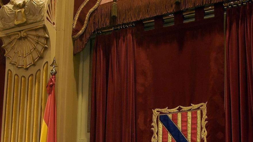 El Parlamento balear retira la Medalla de Honor y el tratamiento de 'molt honorable' a Munar