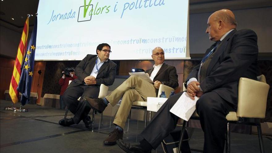 Duran crea una plataforma de centro para debatir más allá de la independencia
