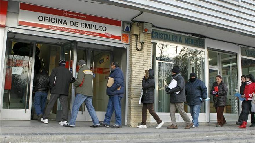 El desempleo vuelve a batir un récord. EFE