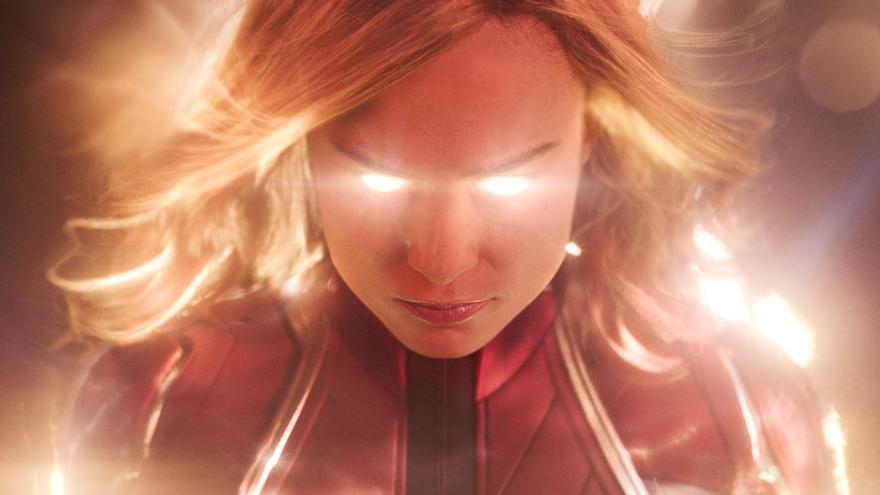 Brie Larson en el papel de Capitana Marvel
