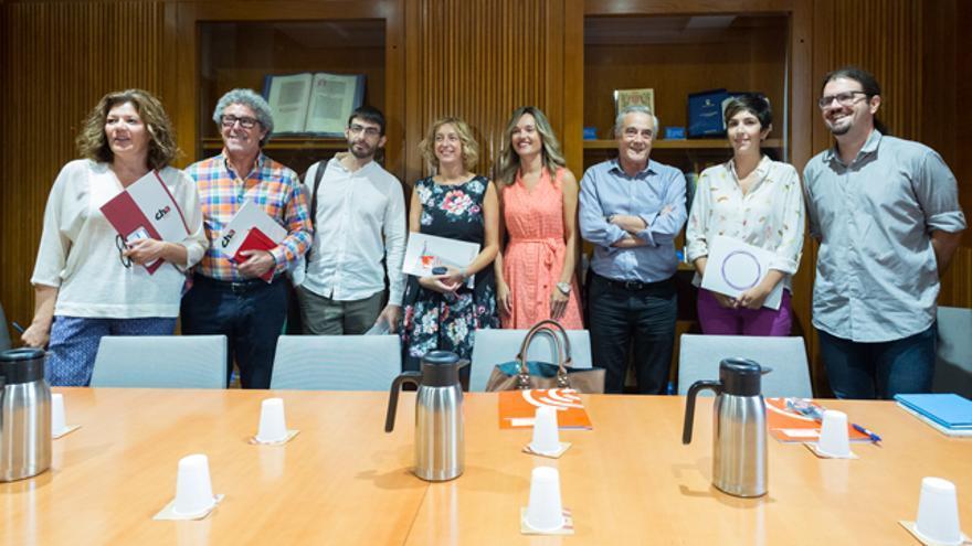 De izquierda a derecha los representantes de CHA, IU, PSOE y Podemos.