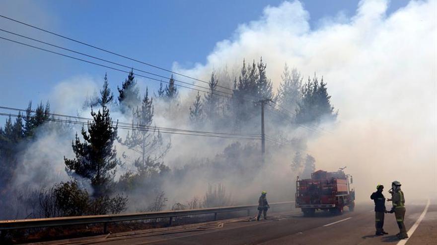 Reportan 71 incendios entre las regiones chilenas de Valparaíso y La Araucanía