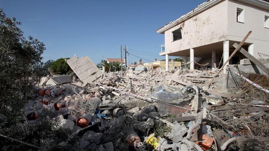 Los Mossos efectúan nuevas detonaciones en la casa de los terroristas en Alcanar