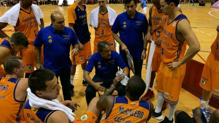 El entrenador del Herbalife Gran Canaria, Luis Casimiro.