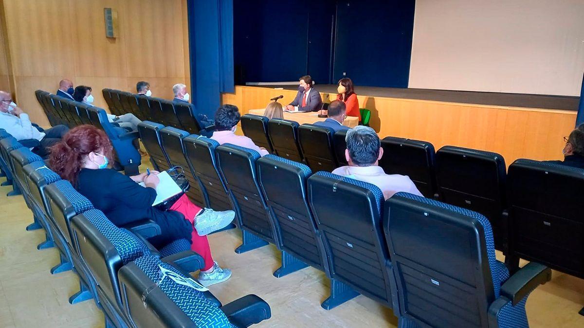 Reunión de Purificación Joyera con representantes de los municipios.