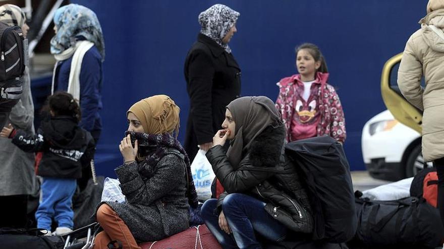 La guardia costera griega rescata a 128 refugiados en dos operaciones marítimas