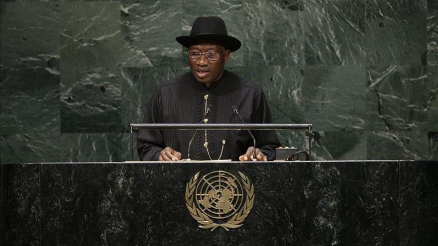 El presidente de Nigeria anuncia que se presentará a la reelección