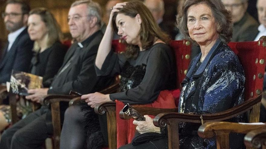La Reina Sofía asiste en la Catedral de Mallorca a un concierto benéfico