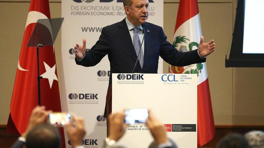 """Los presidentes de Perú y Turquía dejan """"el campo listo"""" para mejorar el comercio"""